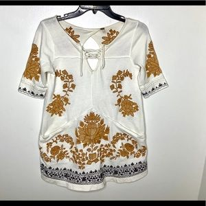 < Free People Embroidered Tunic Top >